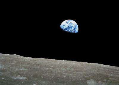 File:NASA-Apollo8-Dec24-Earthrise-b